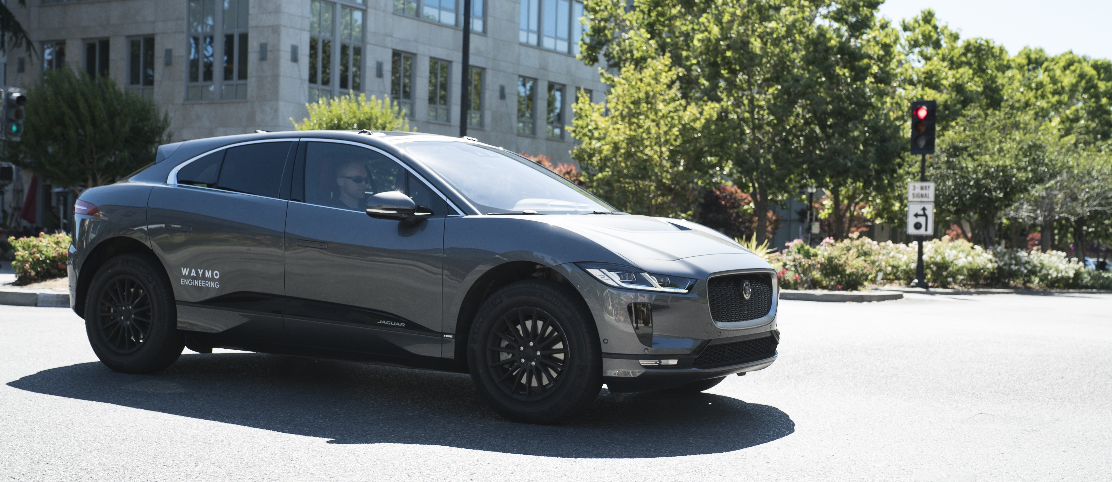 Jaguar Delivers First I-Pace Vehicles In U.S. To Waymo