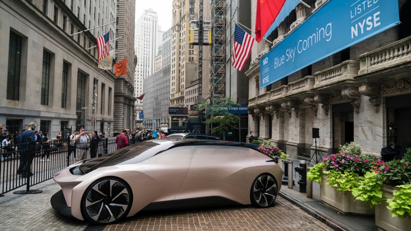 Chinese EV maker NIO slumps then bounces back in U.S. IPO