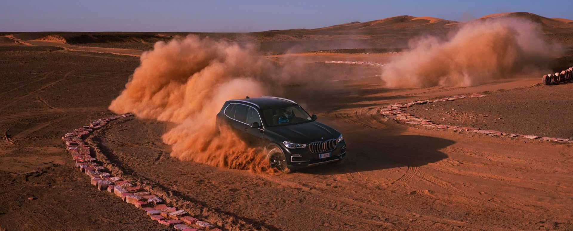 BMW Builds 'Monza Sahara' In Desert So X5 Can Play In Sandbox