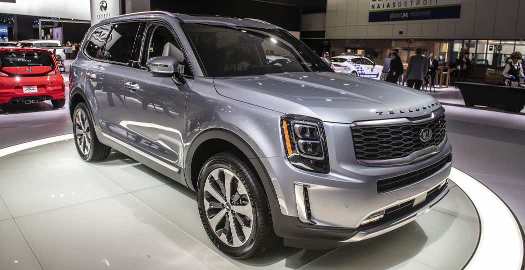2020 Kia Telluride crossover moves the brand upscale, and a bit off-road