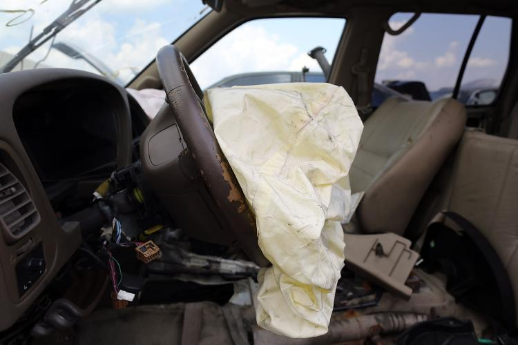 Automakers recall another 1.7 million cars with fatal Takata airbags