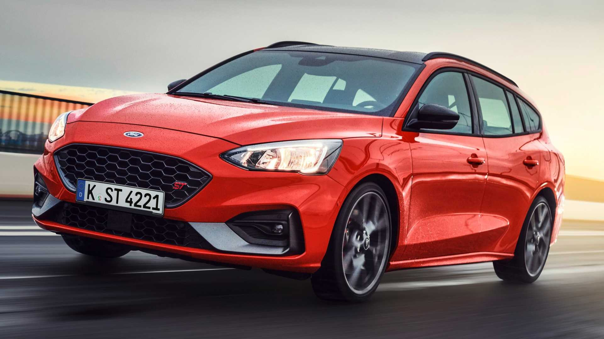Ford Focus ST Wagon Revealed