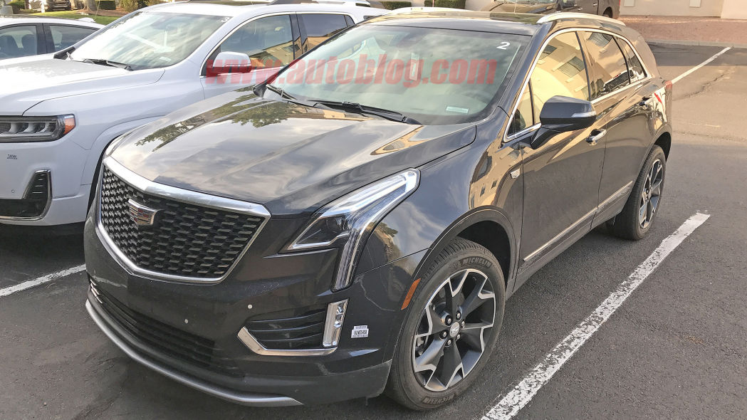 2020 Cadillac XT5 spied undisguised with infotainment from CT5