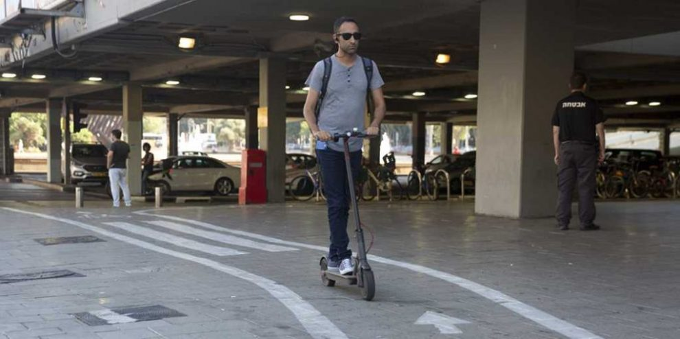 Ahead of New Regulation, Scooter-Sharing Service LEO Shuts Down Tel Aviv Operation