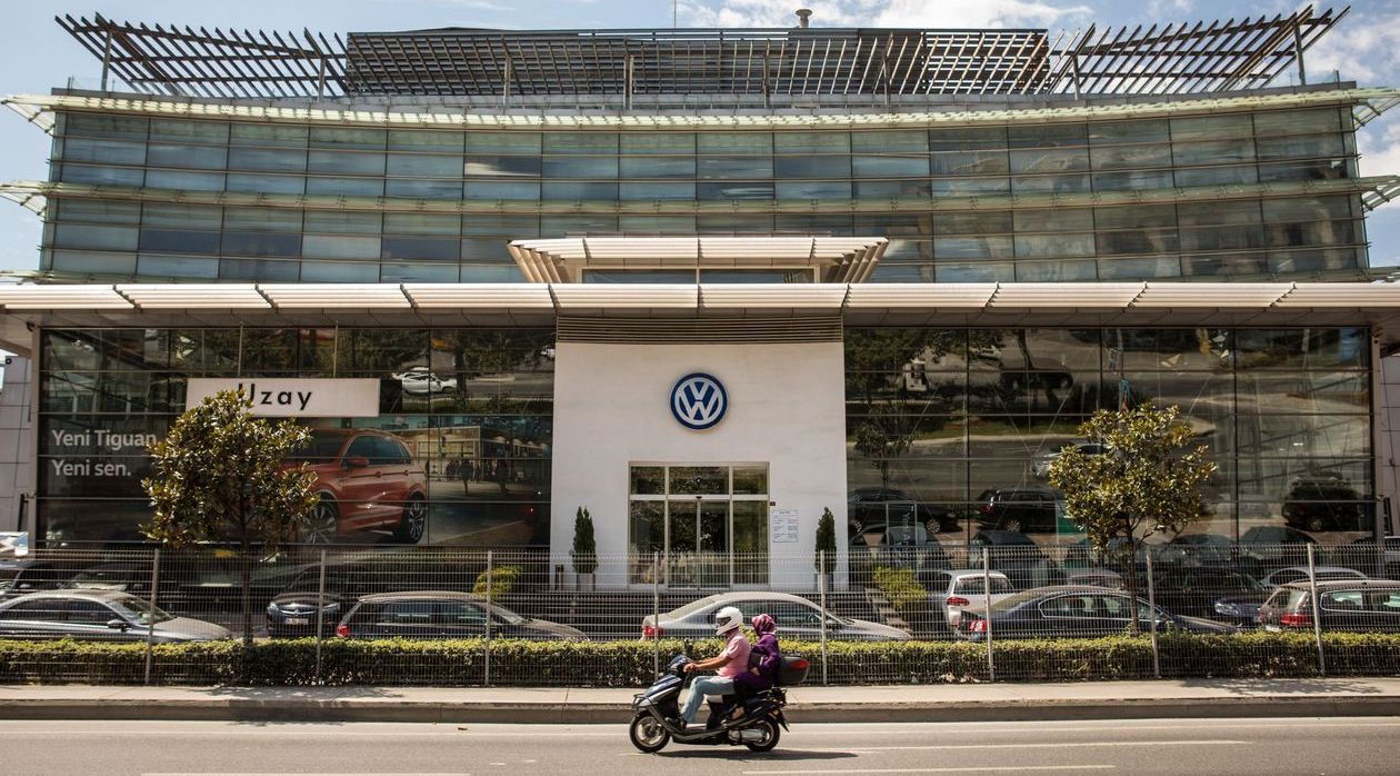 Volkswagen Delays Approval for Turkey Plant Following Syria Incursion