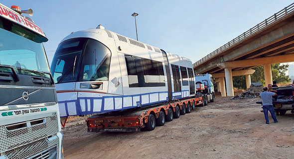 Myriad Flaws Detected in Israel's New, Chinese-Made Light Railway Cars