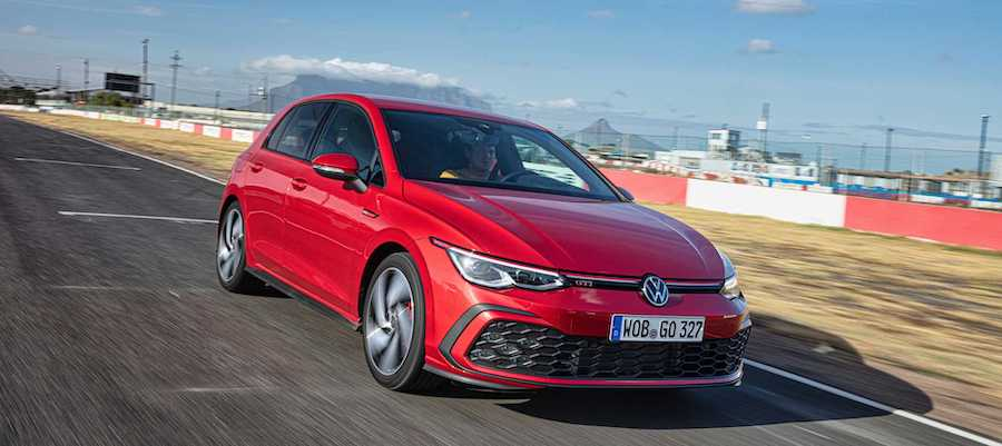 VW Golf 8 Deliveries Halted Over Software Issue